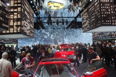 René-Elberfeld-IAA-2013-Frankfurt-Ergebnisse-bewundern-Audi-Messestand